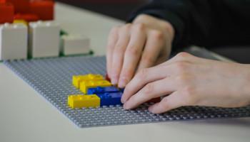 LEGO® BRAILLE BRICKS – INNOWACYJNA NAUKA CZYTANIA METODĄ BRAILLE'A  ZA POMOCĄ KLOCKÓW LEGO