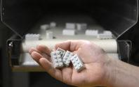 Grupa LEGO prezentuje pierwszy prototypowy  klocek LEGO® wykonany z plastiku z recyklingu